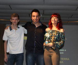 Prêmio de Melhor Sonoplastia 3º ano - Filme O Homem à Terra Retorna, entregue pelo prof.Ronaldo Eismann de Castro
